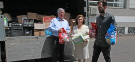 Crown Prince Alexander, Crown Princess Katherine and Prince Peter bring aid to victims of floods sheltered in the Belgrade Fair