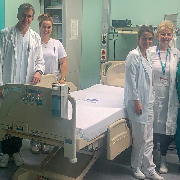 PRINCESS KATHERINE FOUNDATION DONATES ELECTRIC BEDS VALUE OVER 51,000 EUROS FOR ZRENJANIN HOSPITAL