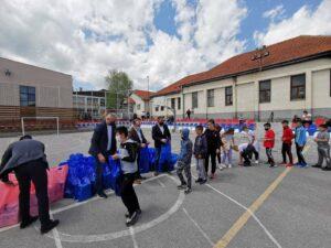 Uskršnji paketići za decu u Velikom Ropotovu