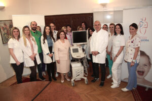 Delivery of the ultrasound machine to the Department of Dialysis and Transplantation of the University Children Clinic Tiršova – HRH Crown Princess Katherine with Prof. Dr Zoran Radojičić, Director of the Clinic, current Mayor of Belgrade, December 2017